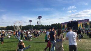 Hochkarätiges Glitzerfest mit Prioritätenproblem – das LollaBerlin