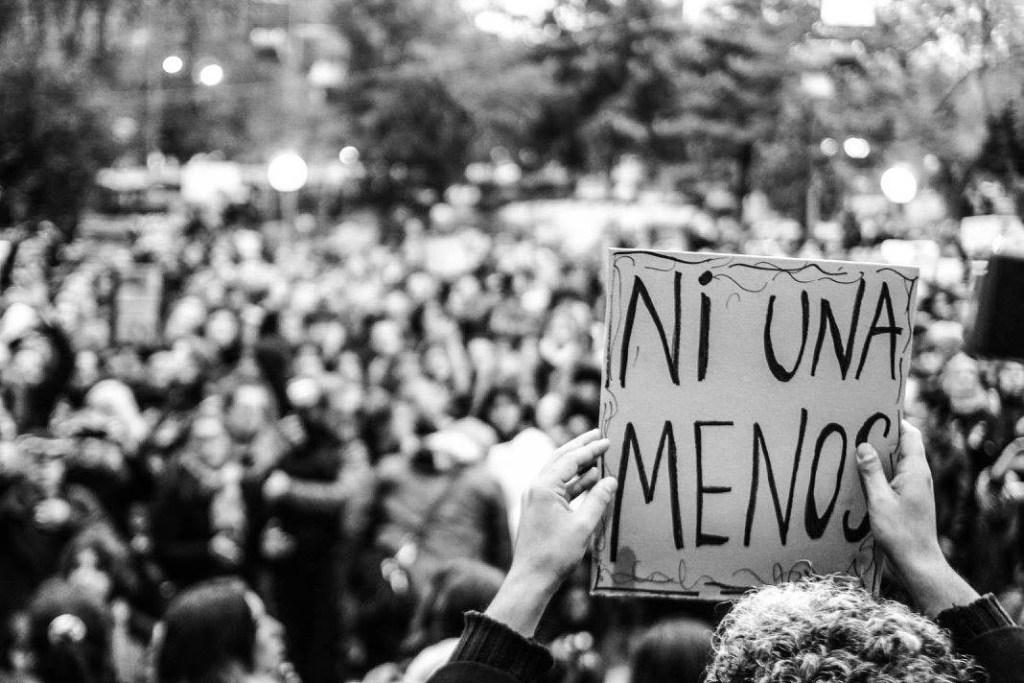 """""""Ni Una Menos"""" – Fotoausstellung im Kult 41"""