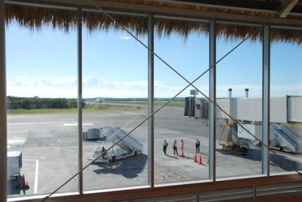 globe-t-bonnet-voyageur-travelling-winter-hat-punta cana airport4