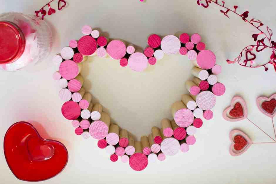 diy-dowel-heart-wreath