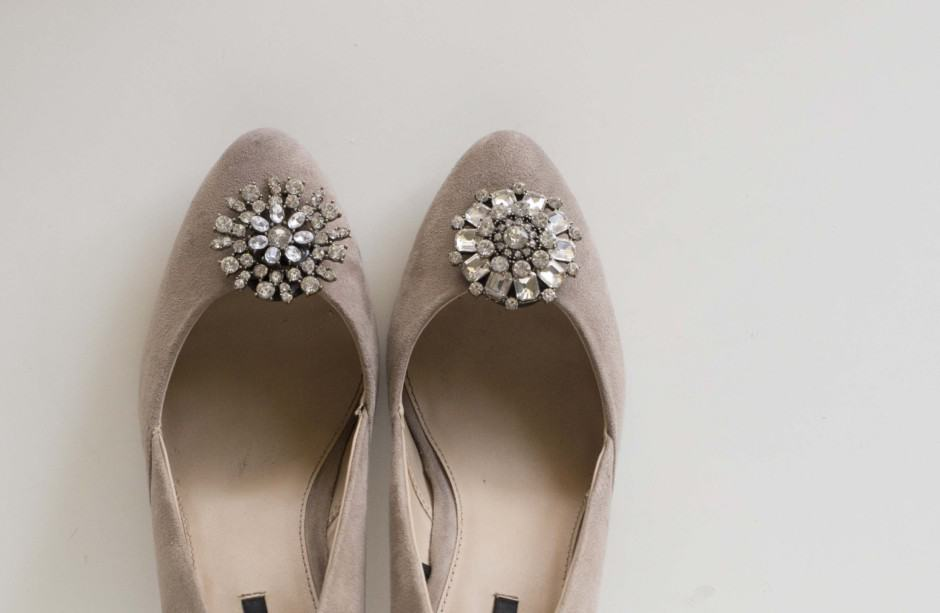 DIY-shoes-jeweled-clips4