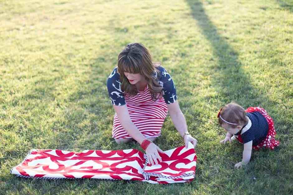 picnic_blanket_tote_DIy