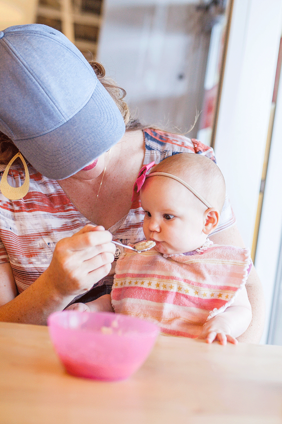 Get my must-have list of everything you need to make baby's introduction to solid foods successful! Whether this is your first baby or your 8th, ensure a happy and stress-free solid food transition with this list of essential tools and tips and introduce baby to solid food without drama!