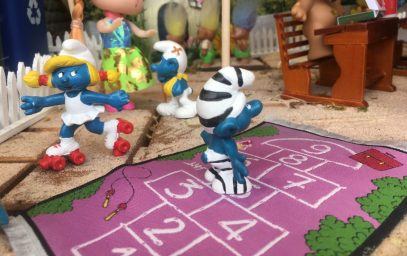 Enchanted Forest High -- Lucky Trolls & Smurfs are back to school