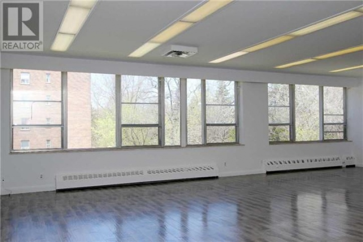 #304 - 414 Moore Ave, Toronto, 1 Room Rooms,Office,Leased,Moore Ave,1004