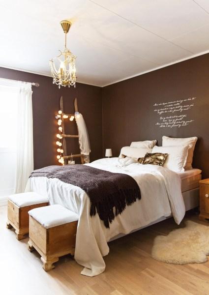 light brown paint bedroom room Romantisk idyll i Stavanger | Boligpluss.no