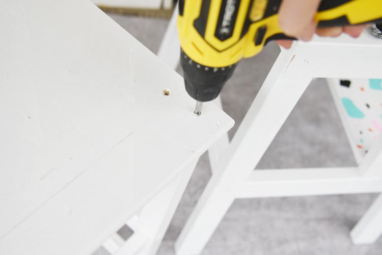 lernturm-ikea-aus-hockern-bauen