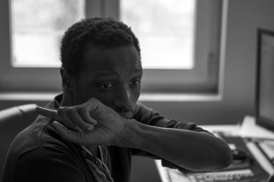 Karamba Dramé dans son atelier