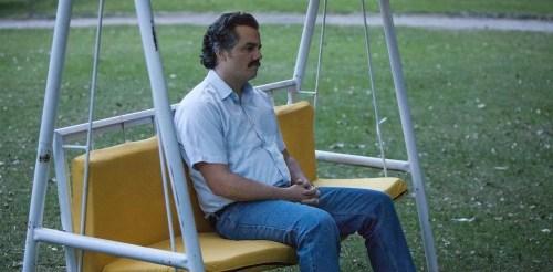 Pablo Escobar et sa chemisette en costume