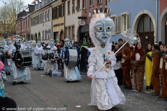 Carnaval de Emmendingen. Défilé du dimanche précédent le Rosenmontag