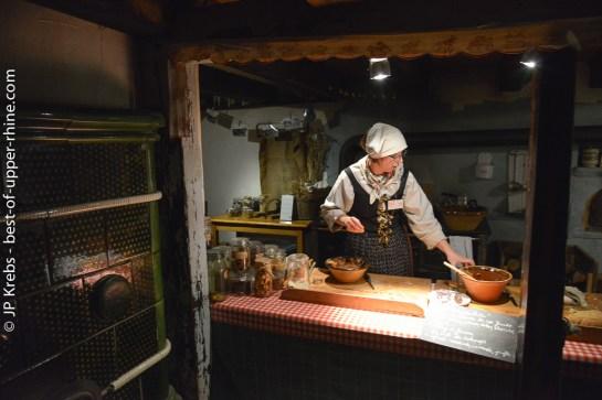 Fabrication de Bredele, les gâteaux de Noël alsaciens à l'écomusée d'Alsace