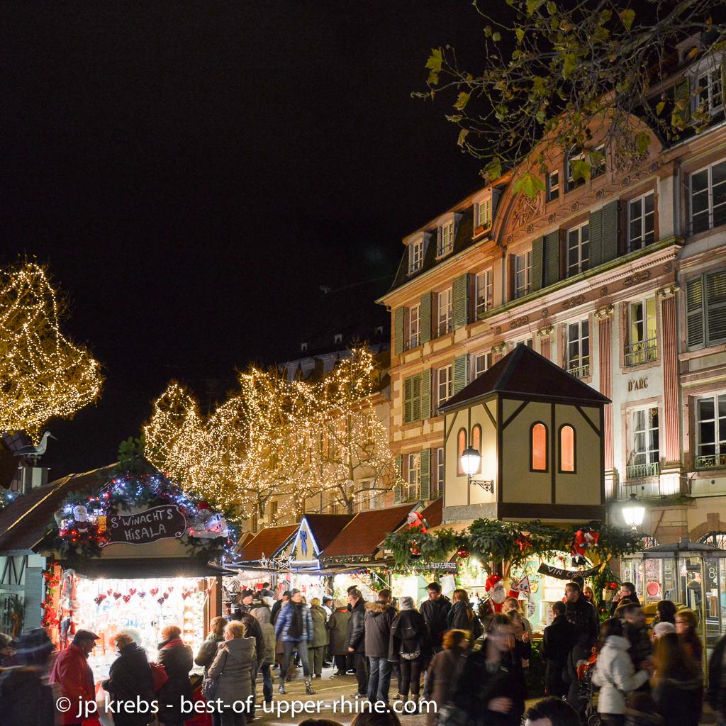 Marché de Noël place Jeanne D'Arc à Colmar