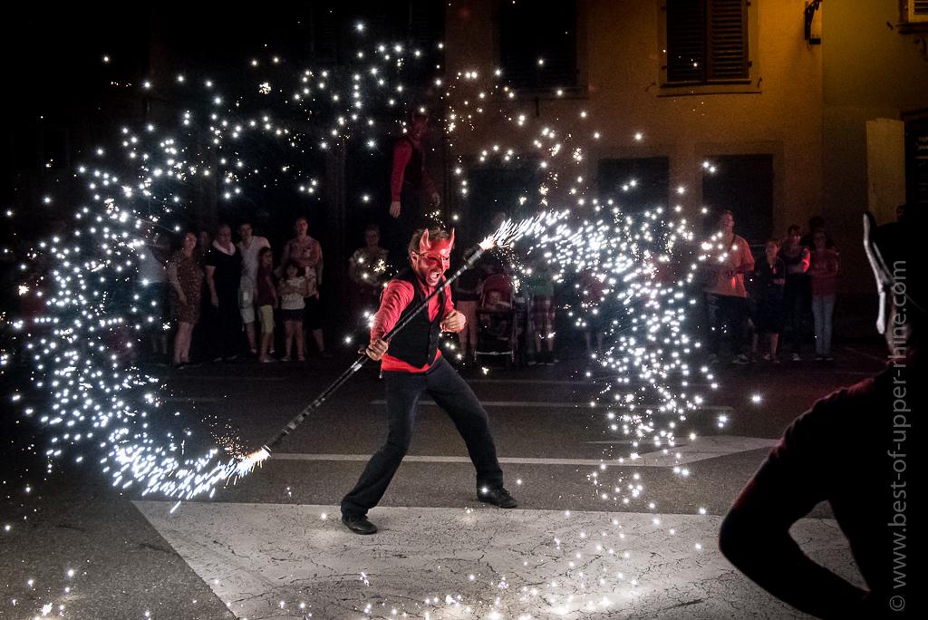 Sélestat Corso Fleuri 2016. Défilé nocturne. #Alsace #VisitAlsace