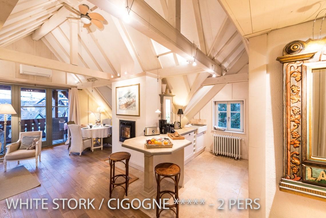 La Cigogne à riquewihr - appartement 5 étoiles vue sur la cuisine et le salon