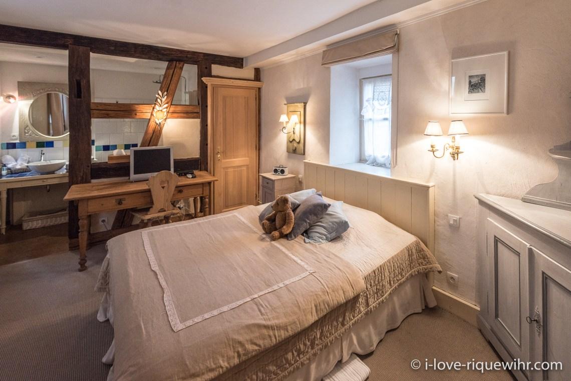 La Colombier à riquewihr - appartement 5 étoiles la chambre