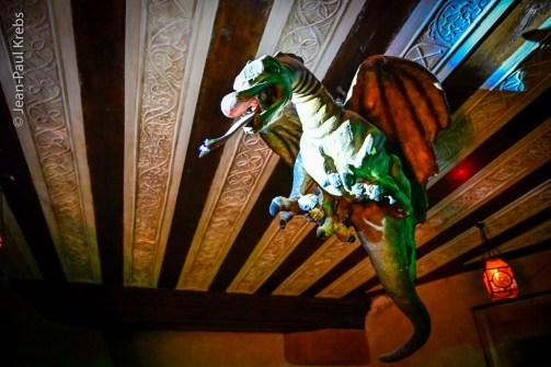 Le terrible dragon, la Bête, s'était rendue maître du château !