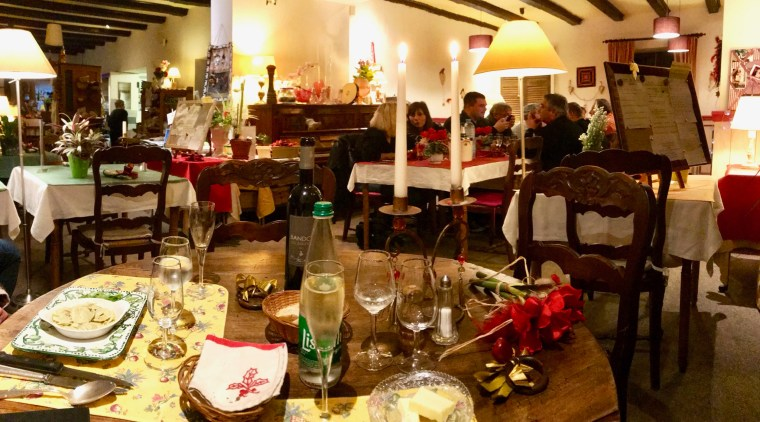 La salle du restaurant des 2 Clefs à Lièpvre