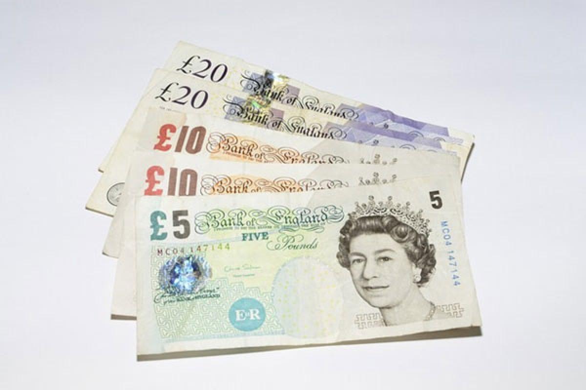 ou changer vos euros retirer des livres sterling avant et pendant votre sejour a londres