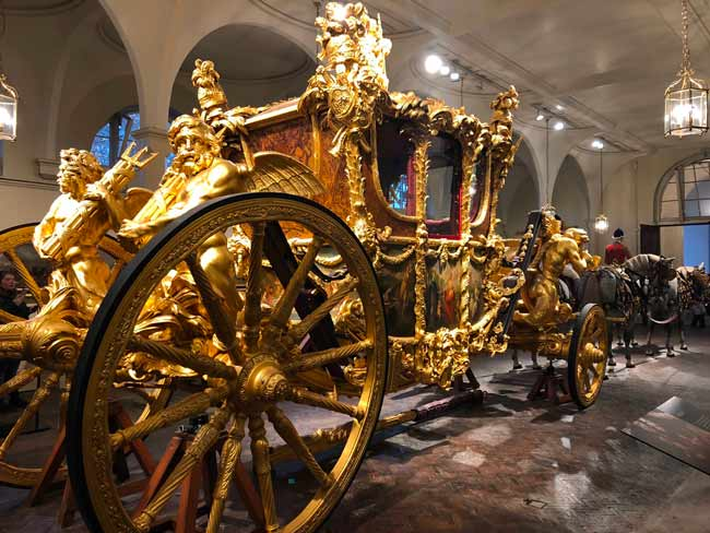 Royal-mews-carrosse-or