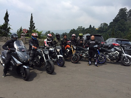 Yamaha-Revs-CBU-Indonesia-Geber-Big-Bike-Turing-Indonesia-Bike-Week