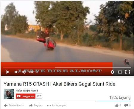 Vidio-Rider-R-15-Crash-Gagal-Stoppie-di-Jalan