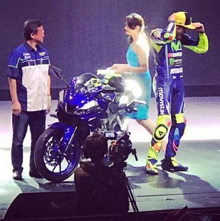 Rossi dan Vinales Launch New R 15 2017