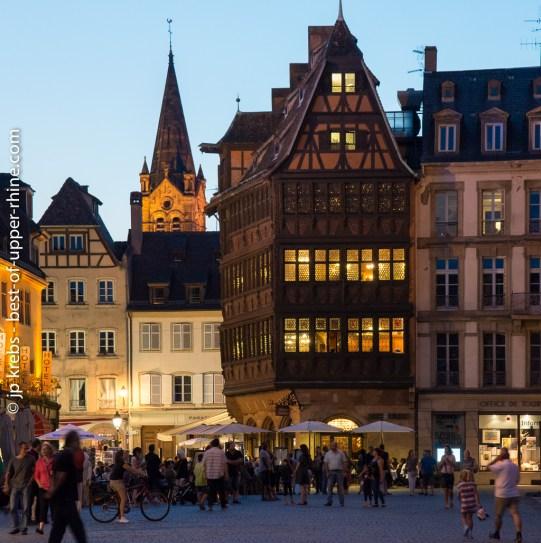 La maison Kammerzell sur la place de la cathédrale à Strasbourg.