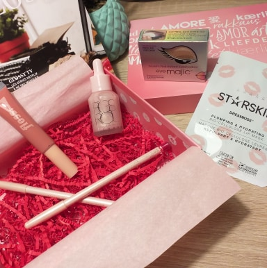 Code spécial St Valentin sur la Glossybox : 11.70€ la box ( valeur 90€ )