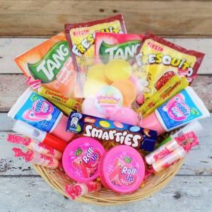 Concours : un délicieux panier de bonbons souvenirs des années 80 et 90