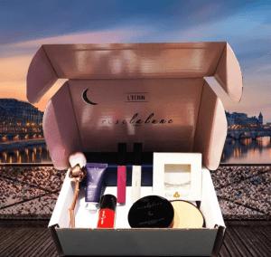 Pour 1 Mascara acheté, le coffret cadeau ROSE LA LUNE est offert