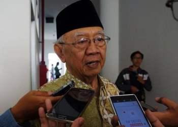 Tokoh Nahdlatul Ulama (NU) KH Salahuddin Wahid atau yang dikenal dengan panggilan Gus Solah meninggal dunia. Mantan cawapres 2014 itu menghembuskan nafas terakhir di RS Harapan Kita, Jakarta. (dok JawaPos.com)