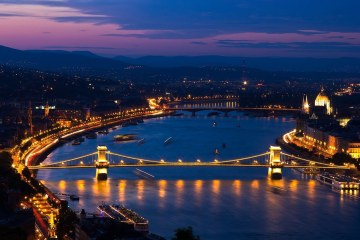 BUDAPEST : HOTEL 4* (2 NIGHTS) FOR 18 EUROS P/P   OR HOTEL 4* (1 NIGHT) FOR 9 EUROS P/P