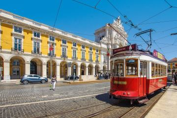 LISBON:  NON STOP ROUND TRIP FLIGHT + HOTEL 3 * (3 NIGHTS)  FROM FRANCE AND LUXEMBOURG FOR 88 EUROS P/P