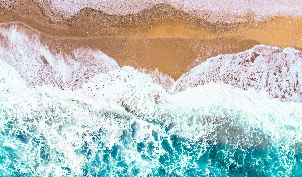 scenery of sea wave