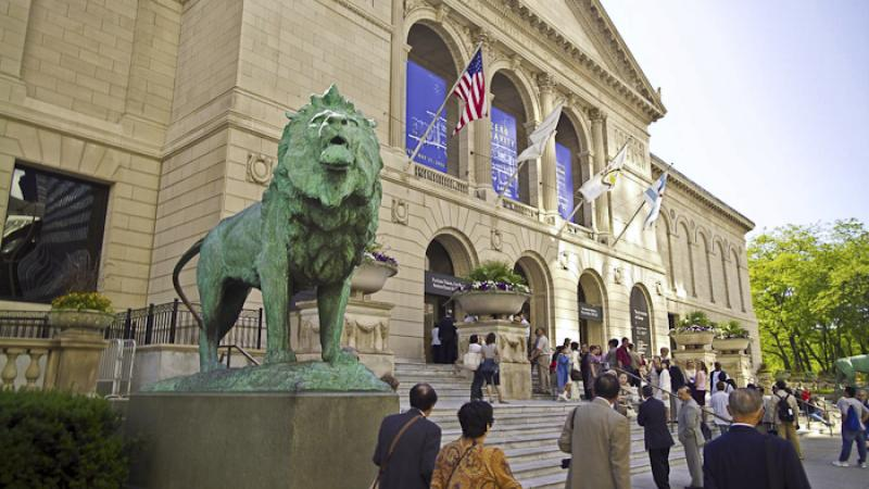 One of the best among Chicago art museums, the place is home to more than a whopping 30,000 artifacts and artworks!