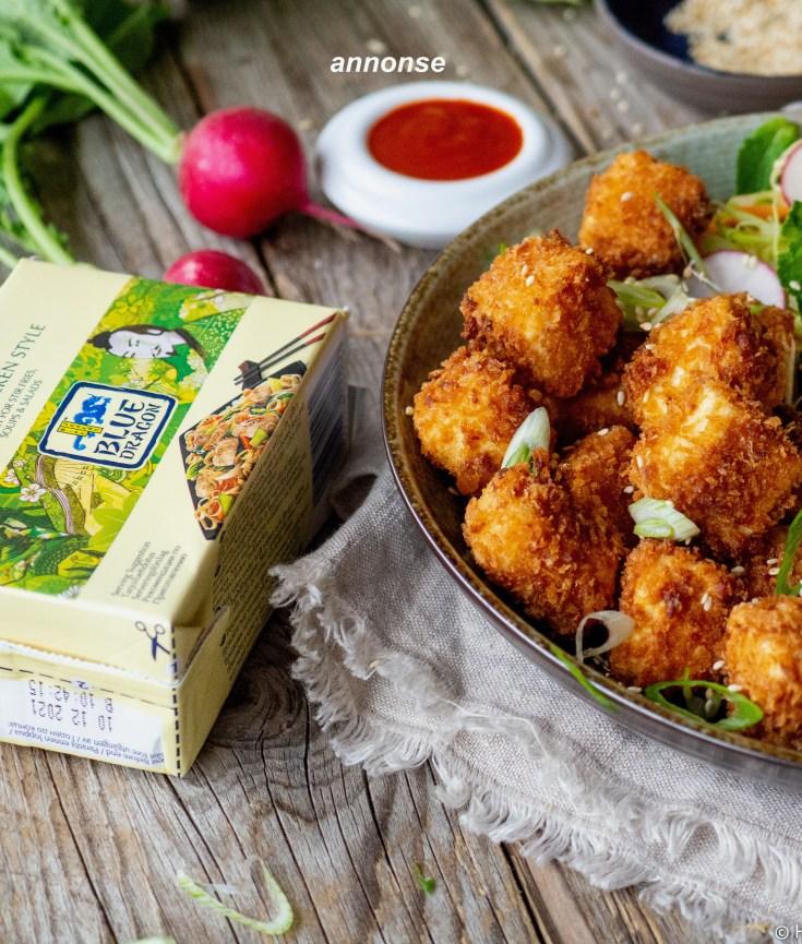 Jeg har inngått et spennende samarbeid med Haugen-gruppen, som er Norges største importør av dagligvarer. I en serie med innlegg fremover vil jeg gjøre deg kjent med flere av produktene fra Haugen-gruppen. Først ut er Silken Tofu fra Blue Dragoon, som du finner i de fleste dagligvareforretninger. Her har du en oppskrift på en deilig nudelbolle med crispy tofu som er en perfekt rett nå som sommervarmen er på vei. Prøv å lag nudelbolle med crispy tofu fra Blue Dragoon du også.
