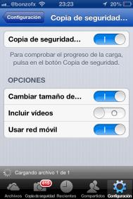 Copia de seguridad. Habilitar copia de seguridad de imágenes y vídeos; uso de red móvil (por defecto lo hará bajo WIFI) y posibilidad de redimensionar fotos