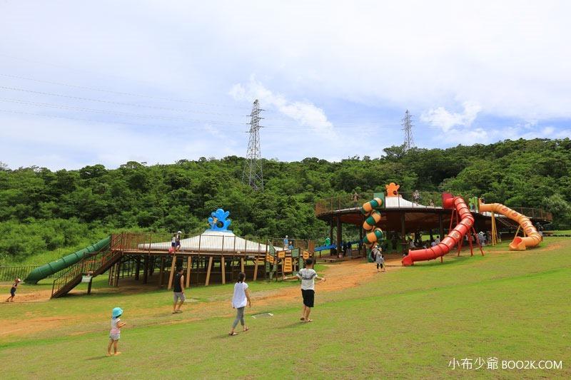 ▌沖繩親子公園 ▌中城公園 沖繩最夯設備最齊全的親子公園~長溜滑梯、彈跳床、沙坑、體能訓練、烤肉、草地
