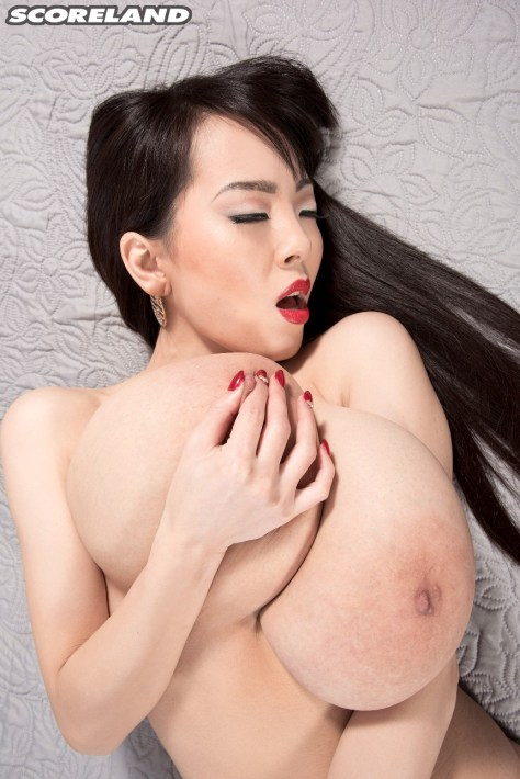 Hitomi Tanaka - A different Angle 10