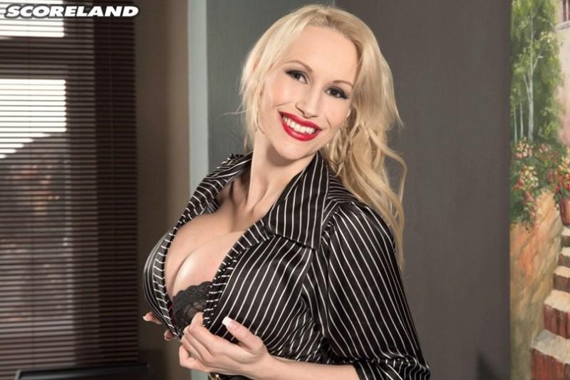 Sandra Star - Call Her Sandra Superstar Now 02