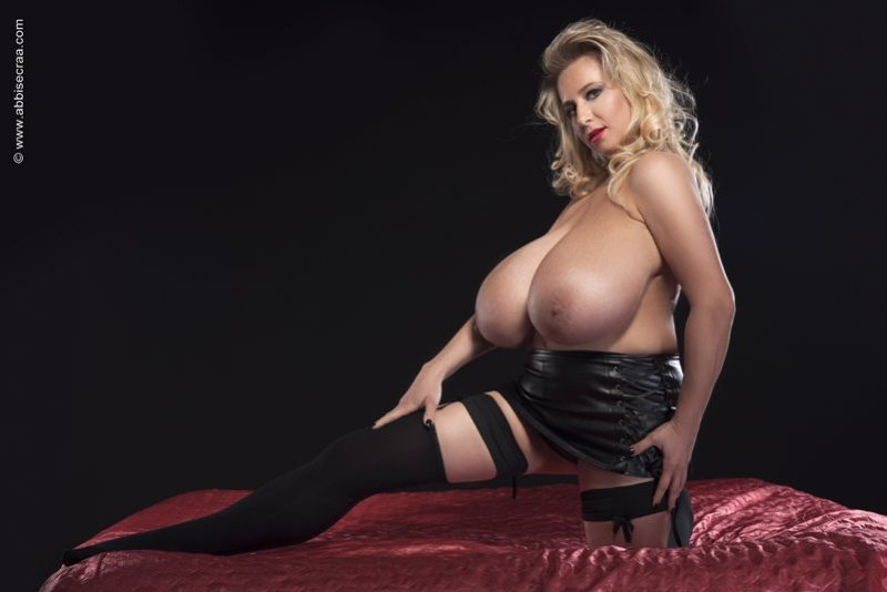 Dedicated to my deep cleavage Admirers 05