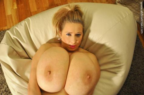 large-breasts-evening-03