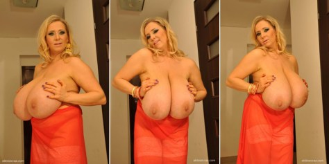 abbi-secraa-abbi-in-red-01