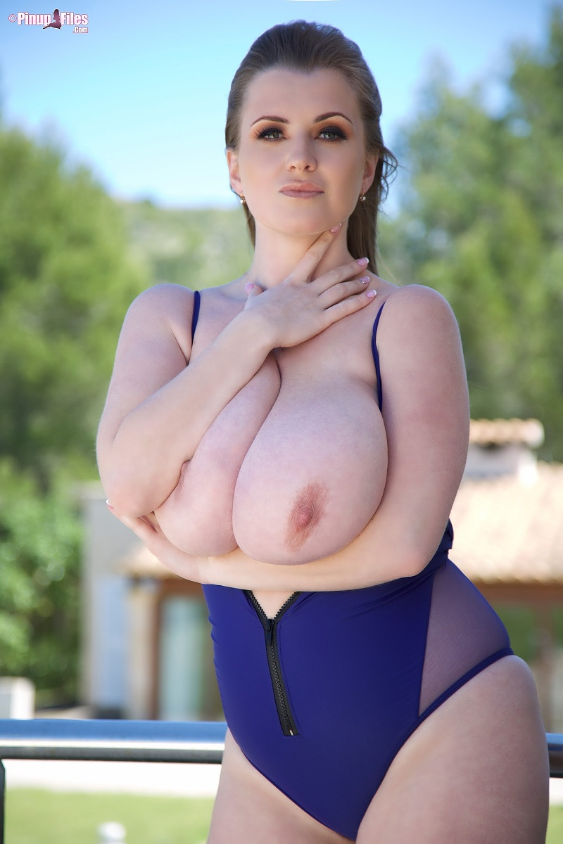 Body nude maria Maria