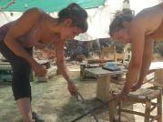 cortando barilla para clavar y marcar bien el swale. // cutting rebar to plant in the ground and mark the swale