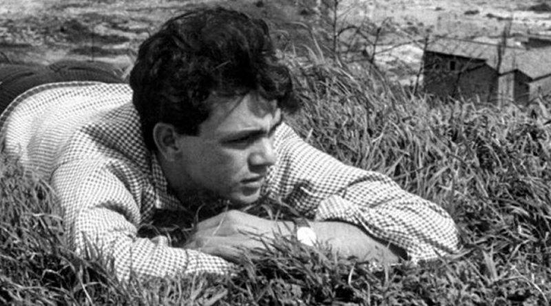La Commare secca, le film de 1962 de Bertolucci, ressort