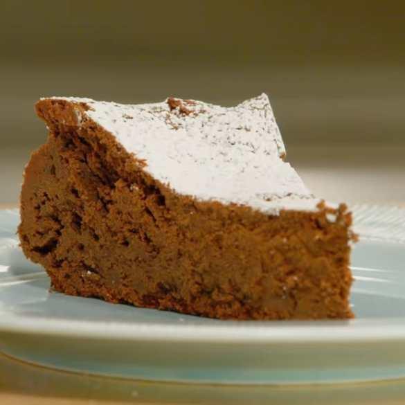 Anna Bakes An INCREDIBLE Chocolate Torte