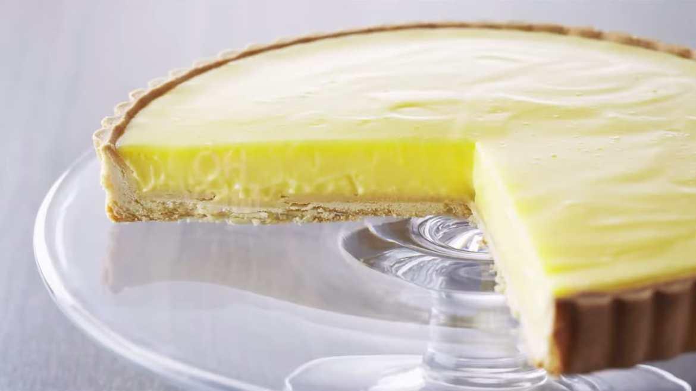 Professional Baker Teaches You How To Make LEMON TARTS