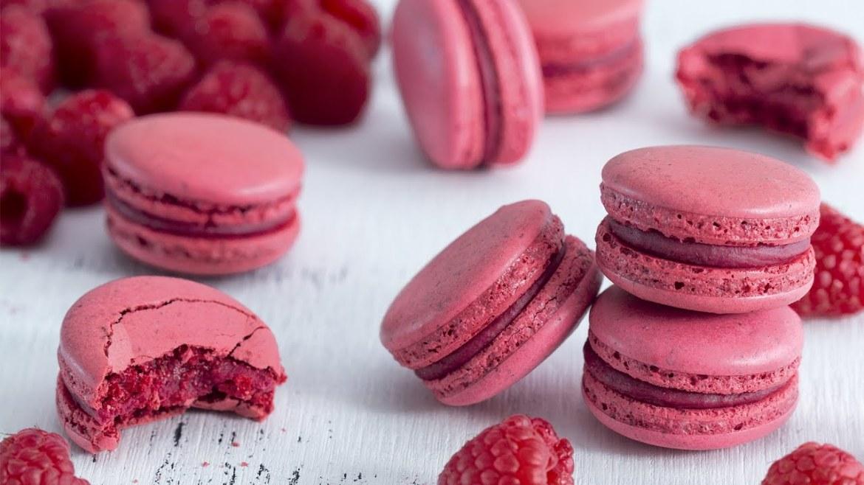 Raspberry macaroons - Italian meringue