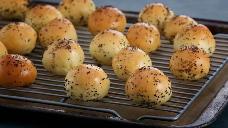 amazing poppy seed bagel bites